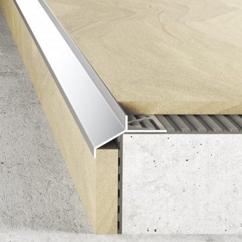 Alumínium terasz szegély A99 ezüst - 2500x7 mm